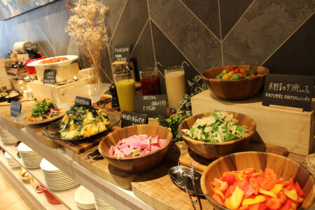 ≪Lunch Buffet who closes, and is luxurious in made with full of vegetables of Lunch >> season!