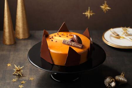 黄金に輝くクリスマスケーキ